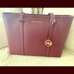 Michael Kors leather tote/laptop bag in merlot 🍷